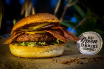 Un burger Vegan mais gourmand avec son bacon